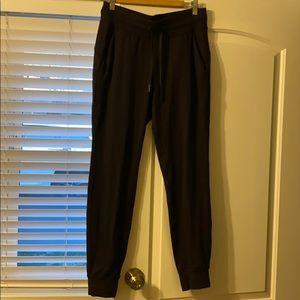 Lululemon Ready to Rulu Pants, size 8